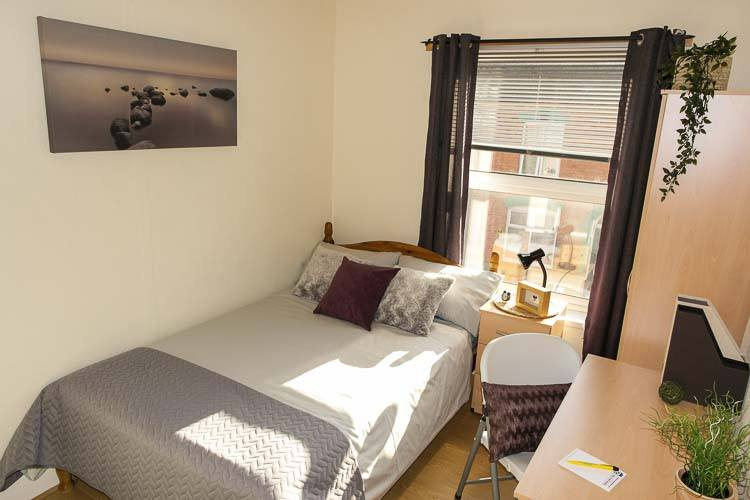 Newly refurbished student house in Northampton