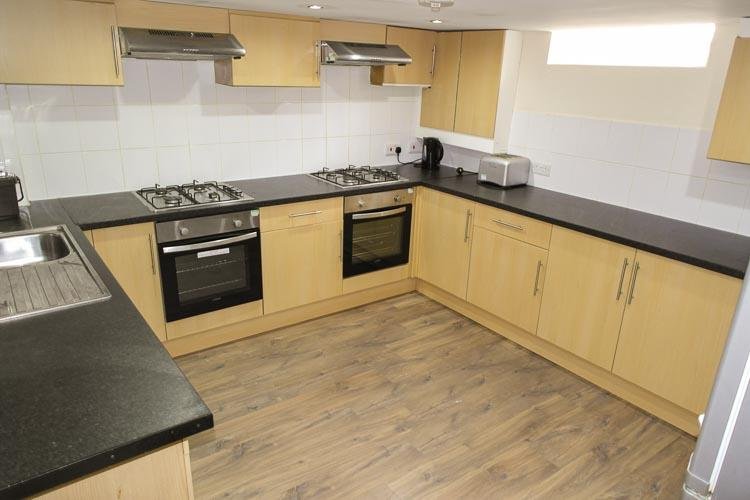 Accommodation to rent for 8 students in Northampton