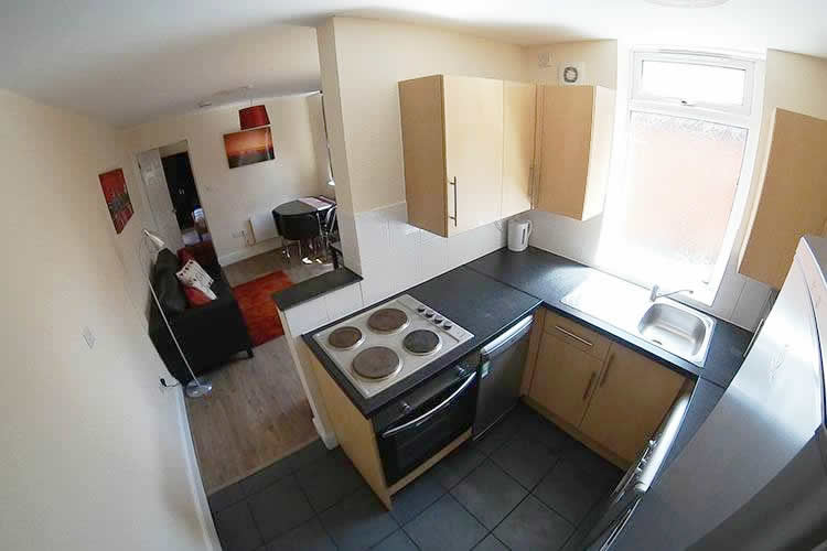 Accommodation for 2 students in Northampton